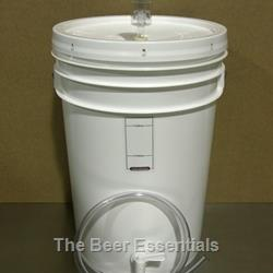 Fermenter - 6 gallon with airlock, spigot, transfer hose and stopper